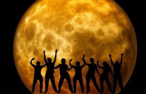moon-969820_640